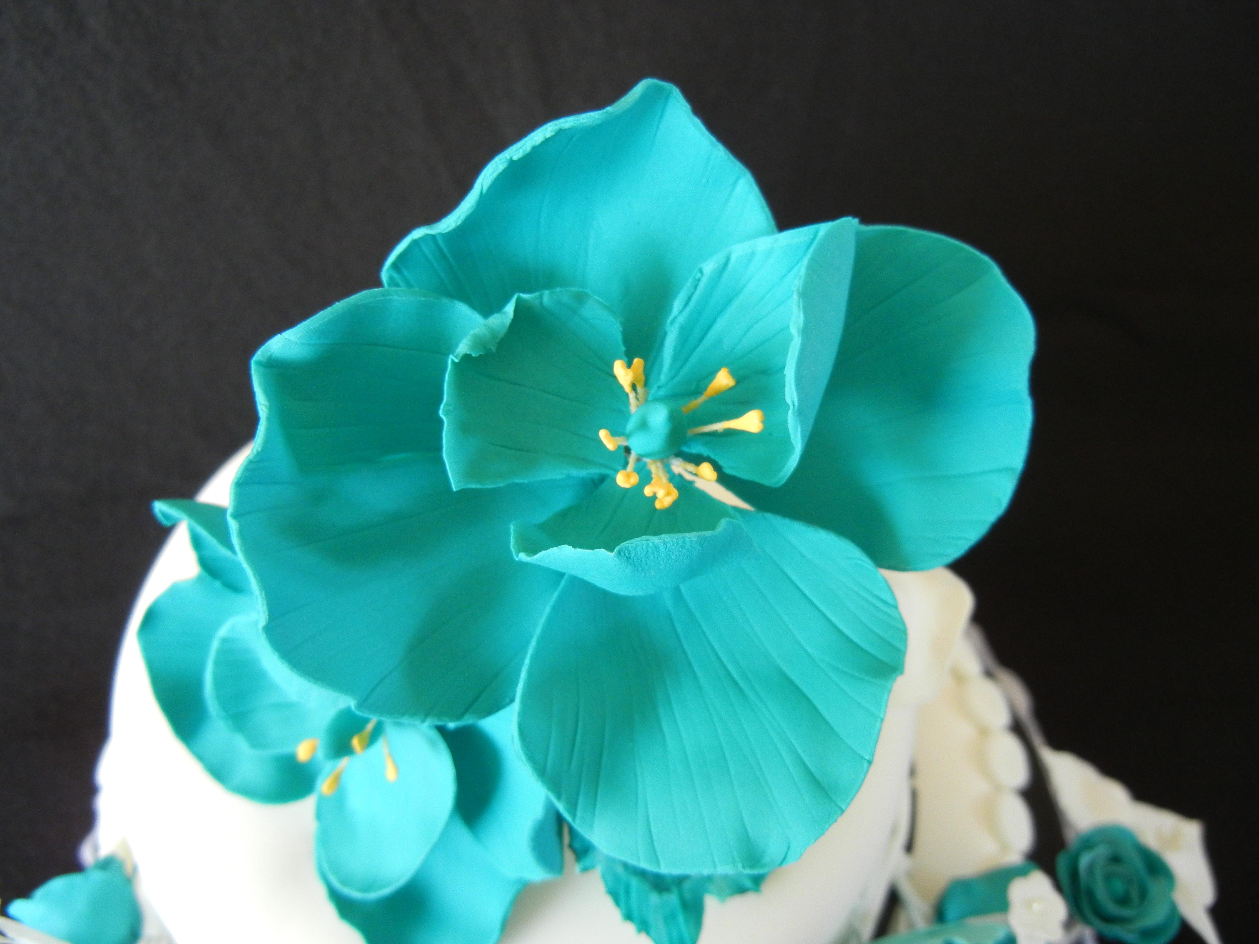 Gum paste flowers meloda close up teal gum paste flower izmirmasajfo