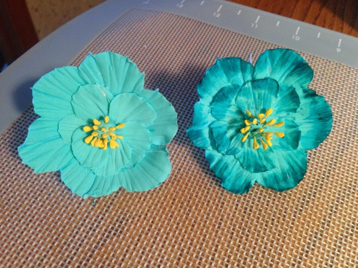 teal gum paste flowers with and without shading