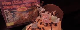Five Little Monkeys Jumping on the Bed- a book made into a cake