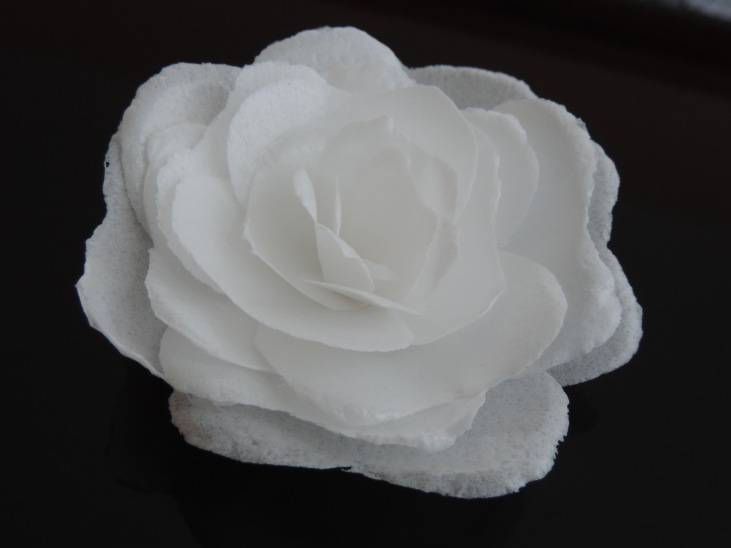 white wafer paper rose