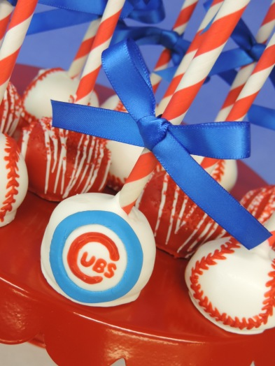 close up cubs baseball cake pop