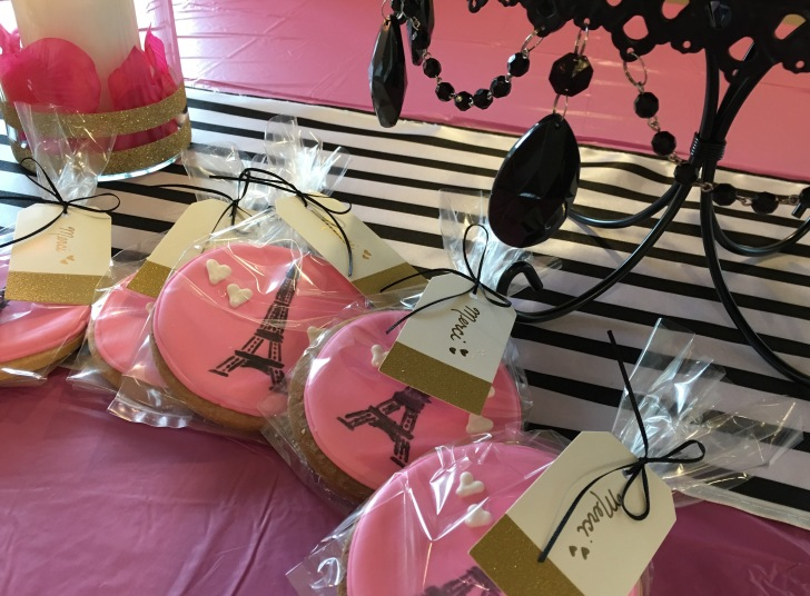 eiffel tower party favor cookies
